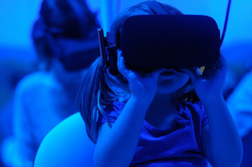 Focus City Leaders: Use Virtual Reality to Showcase Your City or Obtain Left